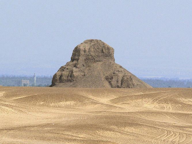 Pyramid-Amenemhet-III