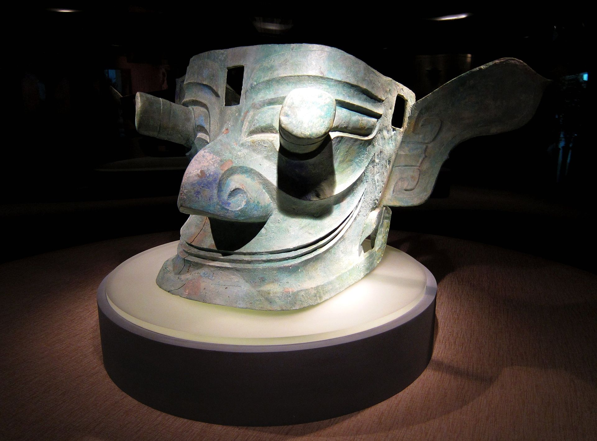 Sanxingdui-Bronze_Mask_with_Protruding_Eyes