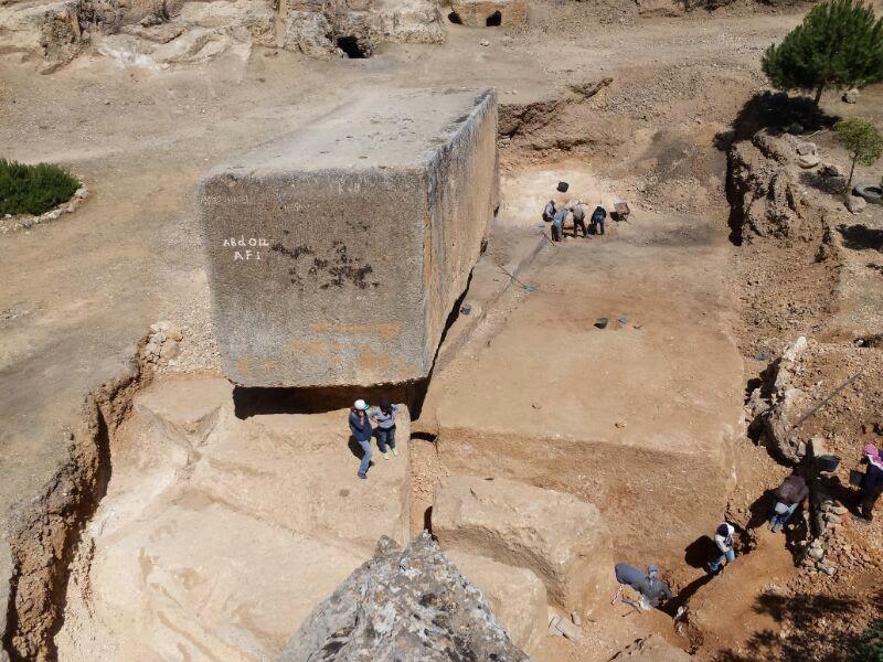 Baalbek_Large-stone-block